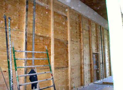 Zum Schutz des Bestandes während der durchgeführten Arbeiten wurden umfangreiche Staubschutzwände aufgestellt.
